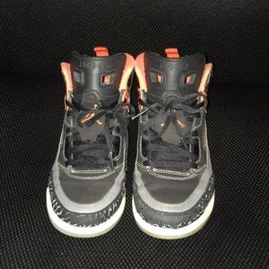 Jordan's Youth Spizike Shoes